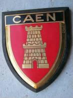 ANCIENNE PLAQUE DE SCOOTER EMAILLEE ANNEE 1950 CAEN EXCELLENT ETAT AUCUNS ECLATS DRAGO PARIS