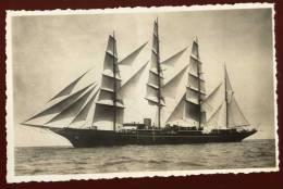 Top Cpa Carte Photo Le Hussar  /  Sea Cloud Célèbre Quatre Mâts Barque Le Plus Grand De L´ époque  EUG16 - Voiliers