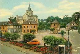 CP.  76.  HERICOURT  EN  CAUX.  LA  PLACE  ET  L'EGLISE  SAINT  DENIS. Petit  Pli  Bas  Droit - Other Municipalities