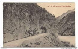 Cpa Du 04-UBAYE- A La Sortie Du Tunnel D´Ubaye-(attellage Et Chariot De Bois) - Autres Communes