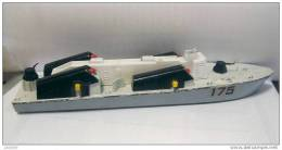 DINKY TOYS  Osa 2  Missile Boat 175 - Boats