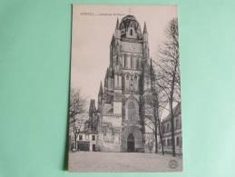 SAINTES - Cathédrale ST PIERRE - Saintes