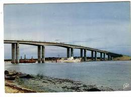 """Ile De Noirmoutier - Le Pont Et Le Bateau """"La Vendée"""" Reliant L´île D´Yeu - Circulé 1975 - Ile De Noirmoutier"""
