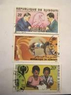 3 ANCIENS TIMBRES AFRIQUE REPUBLIQUE DE DJIBOUTI OBLITERES MAIS ETAT EXCELLENT