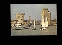LA ROCHELLE Charente Maritime 17 : Tour St Nicolas Et De La Chaine ( Voiliers Bateau Vedette Ferry Boat ) - La Rochelle