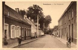 BELGIQUE - FLANDRE ORIENTALE - LOVENDEGEM - VINDERHOUTE - De Dorpstraat. - Lovendegem