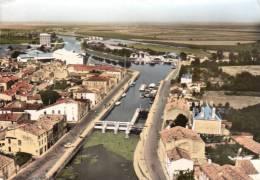 17 - CPSM - Vue D´avion - Du Port - Marans- Charente-Maritine - Bord Dentellé -   ( Voir Scan ) - France