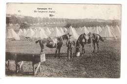 CPA - Campement Anglais : Militaire Nourrissant 2 Chevaux Au 1er Plan, Nombreuses Tentes Au 2ème Plan - Vue Peu Commune - Guerre 1914-18