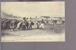 Cpsm ,  Types Toulousains , L'entrainement Du Foot Ball Sur La Prairie Des Filtres  (voir Dos )  ,   Voyagé - Toulouse