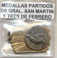 FEDERACION DE BOCHAS PARTIDOS DE GENERAL SAN MARTIN Y 3 DE FEBRERO CAMPEON ZONA AÑO 1959 MEDAILLE RARE  PETANQUE PETANCA - Profesionales/De Sociedad