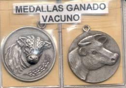 2 MEDALLAS DE GANADO VACUNO - REPUBLICA ARGENTINA CIRCA 1930 RARES - Tokens & Medals