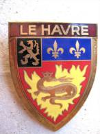 ANCIENNE PLAQUE DE SCOOTER EMAILLEE ANNEE 1950 LE HAVRE (VARIANTE LE HAVRE SUR FOND MARRON) DRAGO PARIS