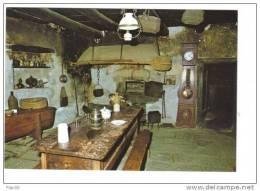 43.- Intérieur Auvergnat ( Horloge, Cuivres, Cheminée, Maie...) - Auvergne
