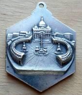 Med-2107Grande Médaille Hexagonale  Pio XII - Godsdienst & Esoterisme