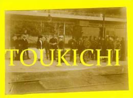 ANDILLY / HAUTE MARNE / TRES RARE PHOTO Début 1900 Du Quai De La Gare Avec Voyageurs Militaires - Sonstige Gemeinden
