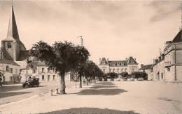CHABRIS (Indre ) Place Du Marché . Cpsm , Voitures, Voyagée 1957 - Autres Communes
