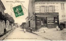 Lot 2 CPA - Doue (77) - Route De Saint Cyr + Vue Générale - Autres Communes