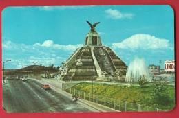 JPX-15 Monumento A La Raza En La Ciudad De Mexico.Precolumbian Mexicans.Non Circulé, Mais Beau Timbre Avec Avion - Mexiko