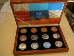 Coffret Des 10 Euros Grecques Commemoratives De 2004 JO Ete Sport12 Pièces Séries Complètes Tir 68 000 Exemplaires - Greece