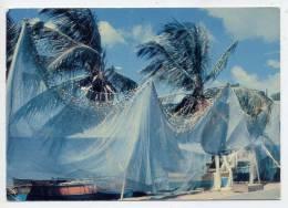 Martinique-- Séchage Des Filets De Pêche-Drying Of Fishing Nets,cpm N°7295 éd Hachette (Iris-Export)--EMA Trois Ilets - Martinique