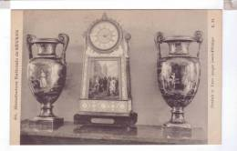 92 SEVRES Manufacture Nationale De Sevres Pendule Et Vase Louis Philippe - Sevres