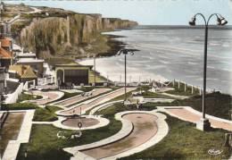 AULT - Le Golf Et Les Falaises - Ault