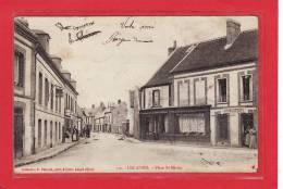 LES ASPRES (61) / Place Saint-Martin / Petite Animation - France
