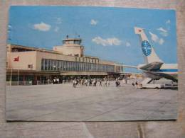 Airport - Flughafen - TURKEY - Yesilköy Airport Istambul - PANAM Boarding        D95285 - Aerodromi