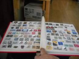 Album Contenant 500 Timbres Du Monde Pt Et Gd Format - Sammlungen (im Alben)