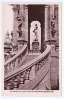 ROUEN - N° 40 - LA STATUE ET L' ESCALIER DU MONUMENT JANNE D' ARC - Rouen