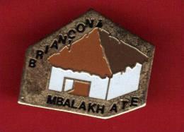 26735-Pin's Briançon.Mbalakh.musique .senegal - Villes