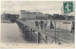 33 - GIRONDE - ARCACHON - 131. - LE CASINO ET LA JETÉE. COTE D'ARGENT. 1910. BIEN ANIMEE. - Arcachon