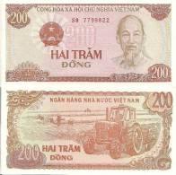 Viet Nam P-100a, 200 Dong, Ho Chi Minh / Tractor - Vietnam