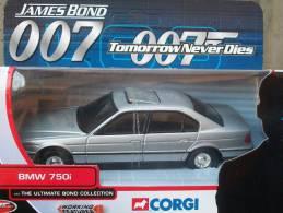CORGI TOYS - SERIE 007 BMW 750 I  AVEC SA  BOITE  Scala 1/36 - Corgi Toys