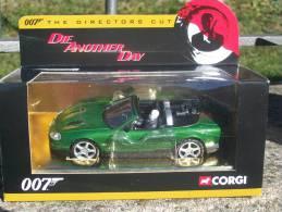 CORGI TOYS - SERIE 007 JAGUAR XKR Serie Oro AVEC SA  BOITE  Scala 1/36 - Corgi Toys