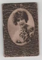 PETIT CALENDRIER DE POCHE 1929, PORTRAIT DE FEMME SUR LA COUVERTURE, PUB MAGASIN AU MYOSOTIS PARIS 15e, COMPLET - Kalenders