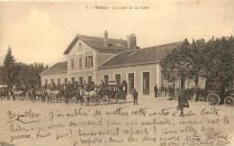 88 VITTEL LA COUR DE LA GARE - Vittel Contrexeville