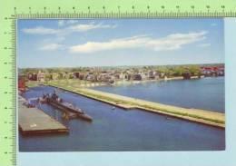 Submarine ( At Derby Wharf Massachusetts) Post Card Carte Postale - Guerra