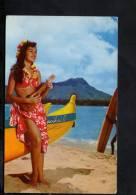 D2842  Hula Maid At Waikiki ( Honolulu ) , Hawaii Color Card - Girl, Femme - Old Mini Card, Lady - Honolulu