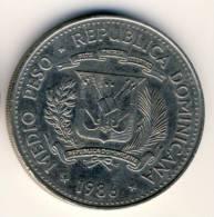1986 Dominican Republic Medio Peso In UNC. Condition, Fairly Large Coin - Dominikanische Rep.