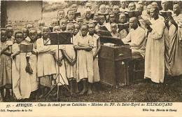 Afrique- Africa -ref A661- Classe De Chant Par Un Catechistes -missions Des Pp Au Kilimanjaro  - Carte Bon Etat  - - Tanzanie
