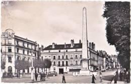 71. Cpsm. Pf. CHALON-SUR-SAONE. Place De L'Obélisque - Chalon Sur Saone