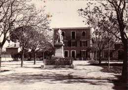 Bouc Bel Air Le Monument Aux Morts Et La Mairie( Cpsm) - Autres Communes