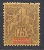 MADAGASCAR TYPE GROUPE   N� 39 NEUF*