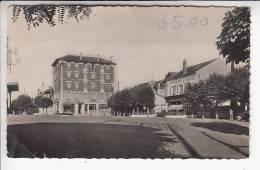 CONFLANS SAINTE HONORINE 78 - Place De La Gare - CPSM Dentelées PF (1950) N° 13 - Yvelines - Conflans Saint Honorine