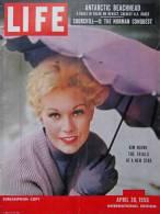 Magazine LIFE - APRIL 30 , 1956 - INTER. ED. - KIM NOVAK - Winston CHURCHILL - Nombreuses Publicités       (3042) - Nouvelles/ Affaires Courantes