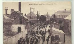 BEAUVOIS EN CAMBRESIS LA SORTIE DE  L USINE 1935 - France