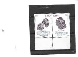 TAAF - N° 643/44 De  2013 - 2 Valeurs Se Tenant  Minéraux -  Hématite - Coin De Feuille - Neufs