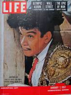 Magazine LIFE - JANUARY 7, 1957 - INTER. ED. - Publicité COCA-COLA - SUEZ - ÉGYPTE - WALL STREET   (3047) - Nouvelles/ Affaires Courantes