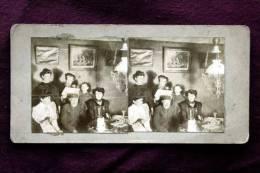 Famille Dans Son Intérieur Anonymes Circa 1898 -  Stereo Carte Stereoscopique Stereoscopic - Photos Stéréoscopiques